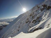 το τοπίο κλίνει υπαίθρια τον αθλητικό χειμώνα χιονιού Στοκ εικόνα με δικαίωμα ελεύθερης χρήσης