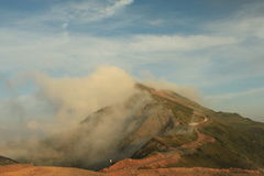 Το τοπίο της θερινής ημέρας βουνών Καύκασου Στοκ Φωτογραφία