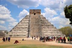 το το 2007 συλλήφθείτ castillo το itza Μεξικό EL πρώτος που ένα φως του ήλιου ακτίνων αναρωτιέται τον κόσμο yucatan Στοκ εικόνα με δικαίωμα ελεύθερης χρήσης
