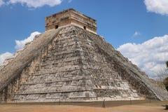 το το 2007 συλλήφθείτ castillo το itza Μεξικό EL πρώτος που ένα φως του ήλιου ακτίνων αναρωτιέται τον κόσμο yucatan Στοκ φωτογραφία με δικαίωμα ελεύθερης χρήσης