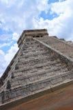 το το 2007 συλλήφθείτ castillo το itza Μεξικό EL πρώτος που ένα φως του ήλιου ακτίνων αναρωτιέται τον κόσμο yucatan Στοκ Φωτογραφίες