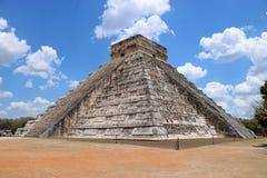 το το 2007 συλλήφθείτ castillo το itza Μεξικό EL πρώτος που ένα φως του ήλιου ακτίνων αναρωτιέται τον κόσμο yucatan Στοκ Εικόνες