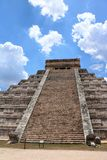 το το 2007 συλλήφθείτ castillo το itza Μεξικό EL πρώτος που ένα φως του ήλιου ακτίνων αναρωτιέται τον κόσμο yucatan Στοκ φωτογραφίες με δικαίωμα ελεύθερης χρήσης