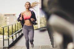 Το τρέξιμο είναι ένας τρόπος της ζωής στοκ φωτογραφία με δικαίωμα ελεύθερης χρήσης