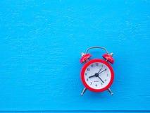 το τρισδιάστατο ρολόι γεια δίνει το χρόνο διάλυσης Στοκ εικόνα με δικαίωμα ελεύθερης χρήσης