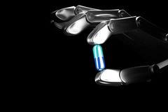 το τρισδιάστατο χέρι ρομπότ απεικόνισης κρατά το χάπι ελεύθερη απεικόνιση δικαιώματος