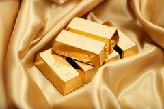 το τρισδιάστατο χρυσό HQ ράβδων δίνει εξαιρετικά Στοκ Φωτογραφία