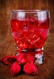 Το τσάι roselle στο υπόβαθρο Στοκ εικόνες με δικαίωμα ελεύθερης χρήσης