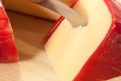 το τυρί κάλυψε το ολλανδικό γκούντα ένταμ γύρω από το κερί Στοκ Εικόνες