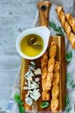 το τυρί περιέχει το διάνυσμα ελιών πλέγματος απεικόνισης Στοκ φωτογραφίες με δικαίωμα ελεύθερης χρήσης