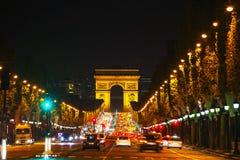 Το τόξο de Triomphe de l'Etoile στο Παρίσι Στοκ Εικόνα