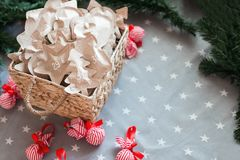 Το τύλιγμα εγγράφου του Κραφτ Χριστουγέννων παρουσιάζει το διάστημα αντιγράφων 31 Δεκεμβρίου Στοκ εικόνα με δικαίωμα ελεύθερης χρήσης