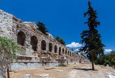 Το υδραγωγείο σχηματίζει αψίδα την Αθήνα Ελλάδα Στοκ Φωτογραφία
