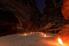 Το Υπουργείο Οικονομικών, η Petra τή νύχτα Μια αρχαία πόλη της Petra, Al Khazn Στοκ Εικόνες