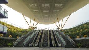 Το υπόγειο μέρος του σταθμού του Central Park της γρήγορης εταιρίας διέλευσης KRTCKaohsiung στην πόλη Kaohsiung, Ταϊβάν στοκ φωτογραφίες