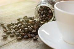 Το φασόλι καφέ βάζει από το κατώτατο σημείο Στοκ Εικόνες