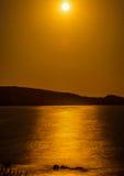 Το φεγγάρι λάμπει Στοκ Εικόνες