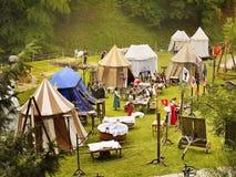 το φεστιβάλ σημαιοστολίζει το μεσαιωνικό ουρανό Στοκ Εικόνες