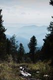 το φθινόπωρο έκανε νωρίς την εικόνα βουνών βουνών το πολικό ρεύμα Στοκ εικόνα με δικαίωμα ελεύθερης χρήσης