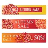 το φθινόπωρο αφήνει την κόκκινη λέξη πώλησης αφηρημένο καθορισμένο διάνυσμα εμβλημάτων ανασκόπησης επίσης corel σύρετε το διάνυσμ Στοκ Εικόνα