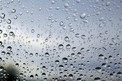 το φθινόπωρο ρίχνει το δέντρο βροχής τοπίων το παράθυρο Στοκ Εικόνες