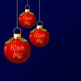 το φιλί Χριστουγέννων με &alpha Στοκ φωτογραφία με δικαίωμα ελεύθερης χρήσης