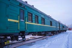 Το φορτηγό τρένο στο σιδηροδρομικό σταθμό στοκ φωτογραφίες με δικαίωμα ελεύθερης χρήσης