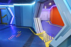 Το φουτουριστικό τελικό εσωτερικό του διαστημικού σταθμού στοκ εικόνες