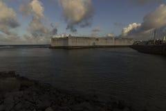 Το φρούριο των τριών σοφών ανθρώπων και της γέφυρας Newton Navarro πέρα από τον ποταμό Potengi Στοκ Φωτογραφίες