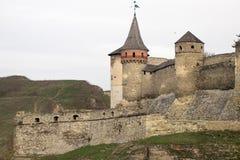 Το φρούριο Podilskyi Kamianets ενσωμάτωσε το 14ο αιώνα Άποψη Στοκ Φωτογραφίες