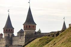 Το φρούριο Podilskyi Kamianets ενσωμάτωσε το 14ο αιώνα Άποψη Στοκ Εικόνες
