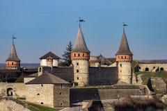 Το φρούριο Podilskyi Kamianets ενσωμάτωσε το 14ο αιώνα Άποψη Στοκ Εικόνα