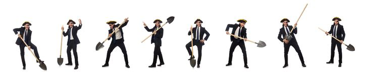 Το φτυάρι εκμετάλλευσης επιχειρηματιών πειρατών που απομονώνεται στο λευκό στοκ εικόνα