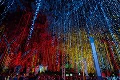 Το φως και ο ήχος παρουσιάζουν Ayala στο τρίγωνο Στοκ Φωτογραφίες