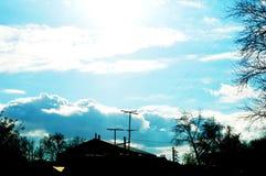Το φως του ήλιου από πίσω από τα σύννεφα στοκ εικόνες