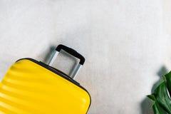 Το φωτεινό και μοντέρνο επίπεδο βαλιτσών μεγέθους καμπινών βρέθηκε στοκ φωτογραφία με δικαίωμα ελεύθερης χρήσης