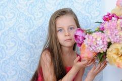 το φόρεμα ανθίζει το κορίτσι λίγο ροζ αρκετά Στοκ Εικόνα