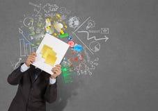 Το χέρι επιχειρηματιών παρουσιάζει κενή κολλώδη σημείωση για το βιβλίο του busin επιτυχίας Στοκ φωτογραφίες με δικαίωμα ελεύθερης χρήσης
