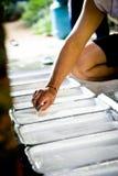 Το χέρι κάνει το νερό λατέξ Στοκ εικόνες με δικαίωμα ελεύθερης χρήσης