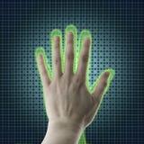 Το χέρι AI φθάνει προς ένα ανθρώπινο χέρι, μια προβολή εικονικής πραγματικότητας, μια τεχνητή νοημοσύνη AI και την έννοια υψηλής  Στοκ Φωτογραφία