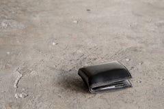 Το χαμένο πορτοφόλι Στοκ φωτογραφία με δικαίωμα ελεύθερης χρήσης