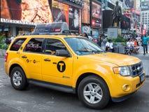Το χαρακτηριστικό κίτρινο αμάξι τακτοποιεί κατά περιόδους στη Νέα Υόρκη Στοκ φωτογραφία με δικαίωμα ελεύθερης χρήσης