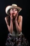 το χαριτωμένο κορίτσι brunette έχ&epsi στοκ φωτογραφίες με δικαίωμα ελεύθερης χρήσης
