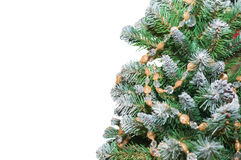 Το χριστουγεννιάτικο δέντρο που διακοσμείται με το χρυσό η ανασκόπηση απομόνωσε το λευκό Στοκ φωτογραφία με δικαίωμα ελεύθερης χρήσης