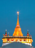 Το χρυσό υποστήριγμα στο ναό Wat Sraket Rajavaravihara Στοκ εικόνες με δικαίωμα ελεύθερης χρήσης