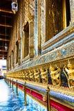Το χρυσό Garuda στο σμαραγδένιο ναό του Βούδα στη Μπανγκόκ, Thail Στοκ Εικόνες