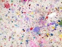 Το χρώμα ρίχνει τους λεκέδες σε μια κουβέρτα φύλλων προστασίας χρωμάτων στοκ εικόνες