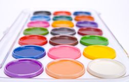 το χρώμα χρωματίζει το ύδωρ στοκ φωτογραφίες με δικαίωμα ελεύθερης χρήσης