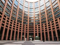 το χτίζοντας Ευρωπαϊκό Κοινοβούλιο Στρασβούργο στοκ φωτογραφία