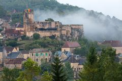 Το χωριό Carlux στην κοιλάδα Dordogne, Aquitaine, στοκ εικόνες με δικαίωμα ελεύθερης χρήσης